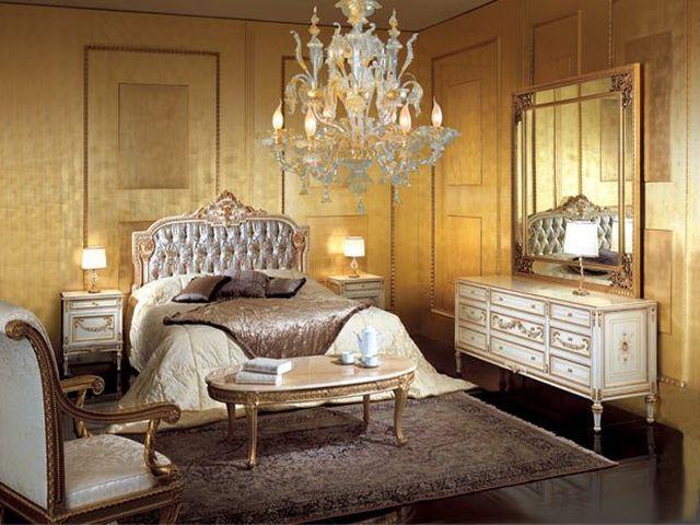 кровать в венецианском стиле