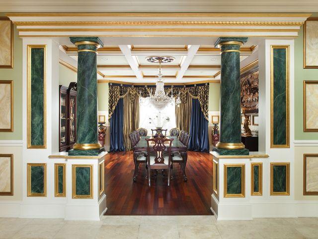интерьер гостиной барокко в изумрудных тонах