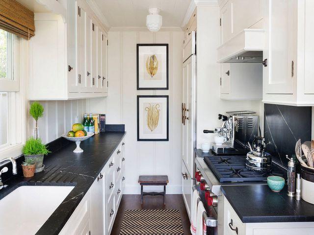 миниатюрная кухня со всем необходимым
