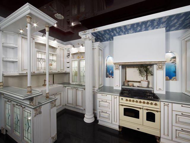 колонна в современной кухне