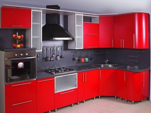 современная бытовая техника в интерьере маленькой кухни