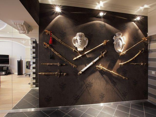 коллекция оружия в интерьере
