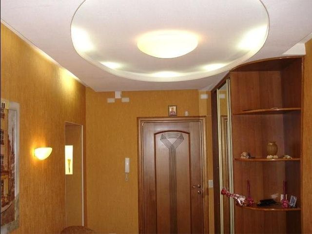 гипсокартоновый потолок в прихожей