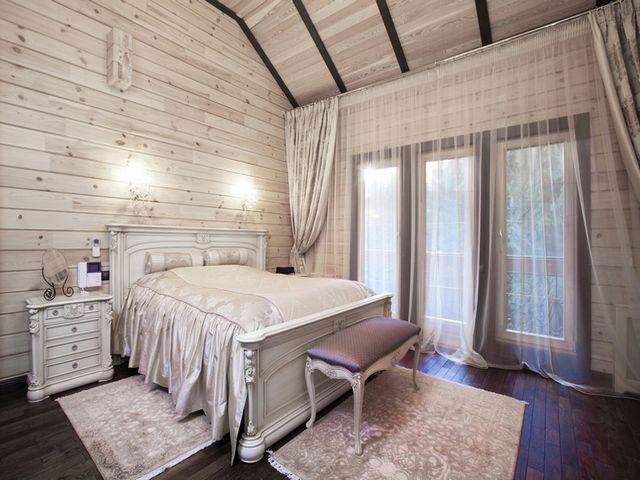 деревянная мебель в мансарде