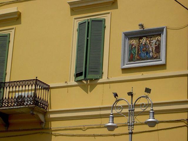 ставни в современном тосканском доме