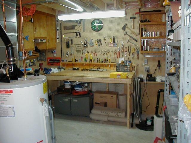 мини мастерская в кладовке
