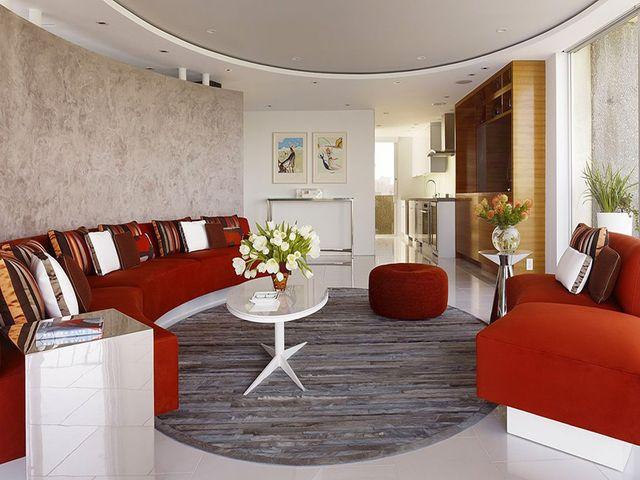 мебель, расставленная по кругу