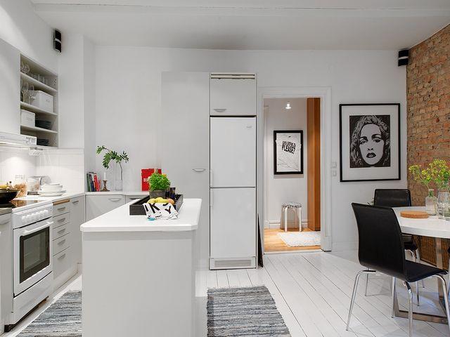 белоснежный кухонный остров
