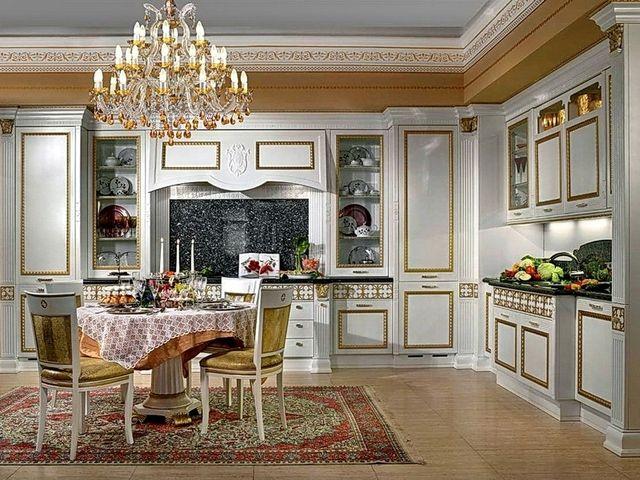 белая мебель с позолотой в классическом интерьере