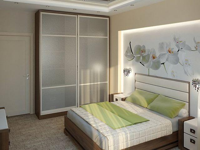 небольшая квадратная спальня